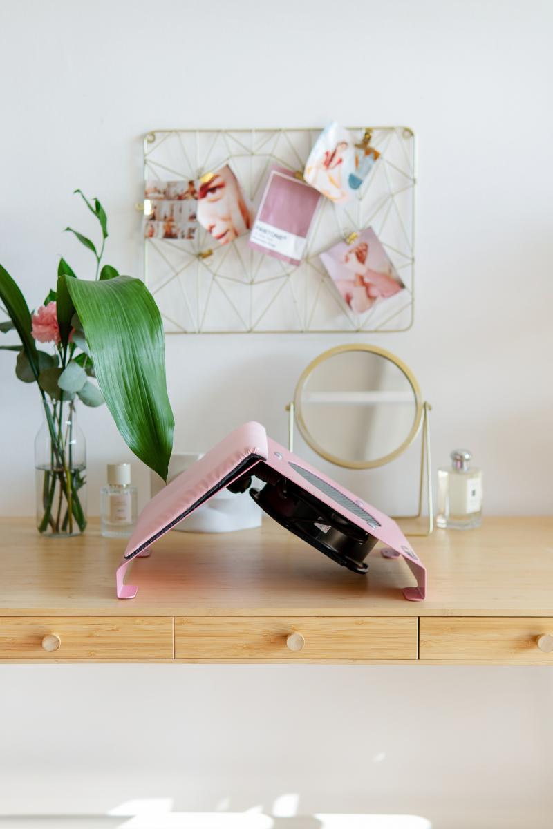 Пылесос для маникюра настольный ND-PRO (pink-plus) с подушкой для рук в профиль